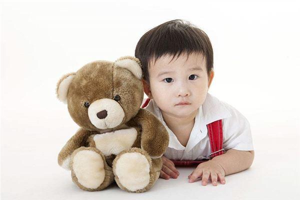 可爱男宝宝中国