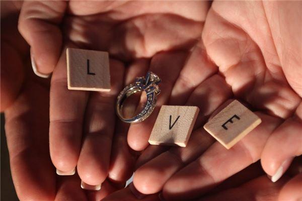 带芊女宝宝名字名字能够影响人的姻缘